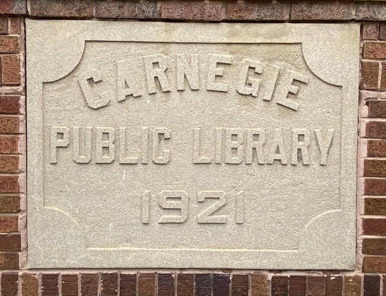 Carnegie Public Library 1921.jpg